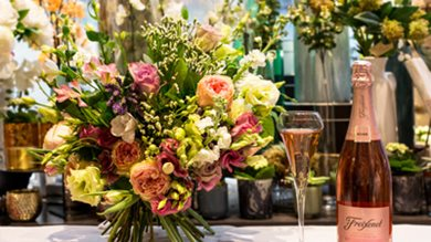 Join us for a luxury Mother's Day 'Bouquet & Bubbles' workshop
