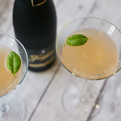 Grapefruit & basil Martini